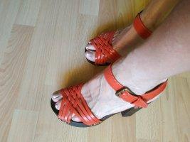 Ungewöhnliche Sandaletten Gr. 40