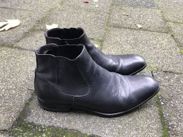 Kämpgen Cut Out Booties black leather