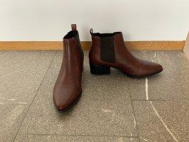 Vagabond Slip-on Booties brown