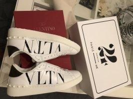 Valentino Garavani VLTN Sneakers Gr: 39 wNeu