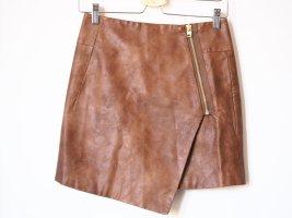 veganer Lederrock, Mini, asymmetrisch, braun, Fake leather, H&M, 34, mit Reißverschluss
