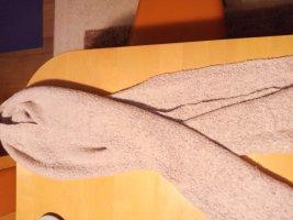 Vera Verona Szydełkowany szalik w kolorze różowego złota