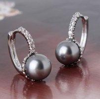 Boucles d'oreilles en perles argenté-gris
