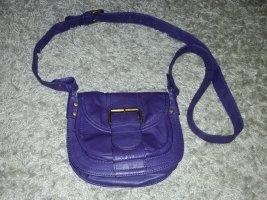 Verkaufe die gebrauchte Handtasche in lila von S. OLIVER