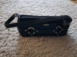 Verkaufe kleine schwarze Handtasche mit Gebrauchsmakel von ESPRIT
