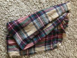 Viereckiger Schal
