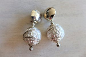 Vintage Earclip white-silver-colored