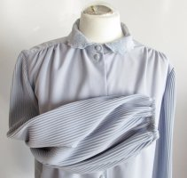 Vintage Bluse Hellblau Grau Größe L 42 Kugelknopf Taubenblau Plissee Crepe Blüten Stickerei Kragen
