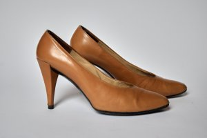 Christian Dior Classic Court Shoe beige-camel leather