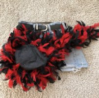 Tradycyjny kapelusz czarny-ciemnoczerwony