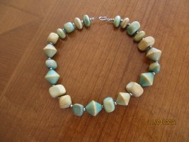 Necklace olive green-beige