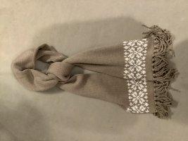 Warmer langer doppellagiger Schal mit Fransen