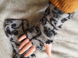 Handmade Woolen Scarf grey
