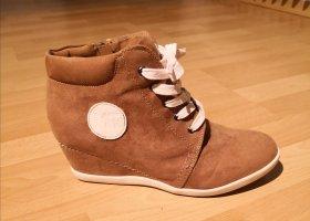 Wedge Sneakers in cognac
