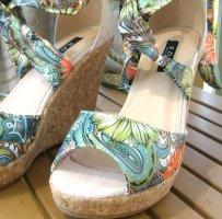 Wedges Sandaletten zum Binden mit Korkabsatz | ungetragen