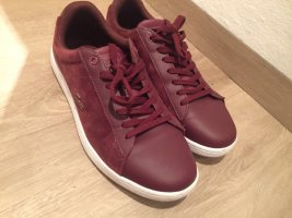Weinrote lacoste Schuhe