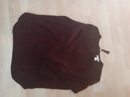 Weinroter Wollpullover
