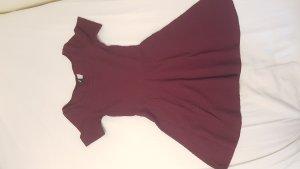 Weinrotes Kleid mit T-Shirt Arm