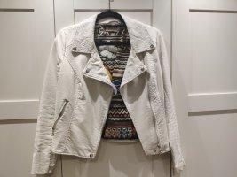 Weisse Desigual Jacke mit buntem Innenfutter und Rückenstickerei