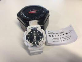 Weiße G-Shock Armbanduhr