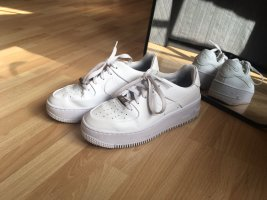 weiße Nike Air Force Low
