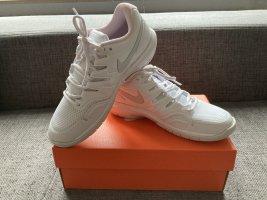 Weiße Nike Sneaker (NEU)