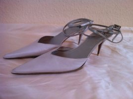 Strapped pumps white-light grey leather