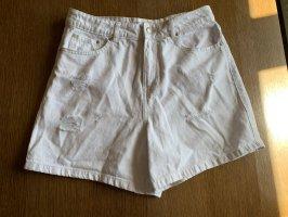 Weiße Shorts mom style destroyed