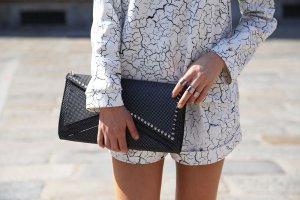 Cameo Shorts white-black