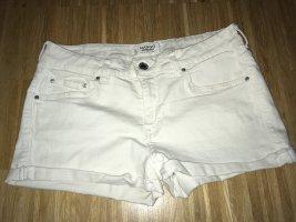 Weiße Shorts von Mango in 36
