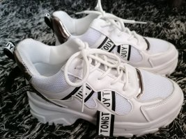 Weisse Sneaker, Größe 39, leicht erhöht