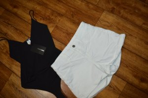 Weisse strechige Hot Pant Gr. 36 H&M Divided