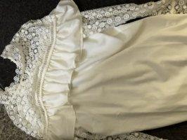 Weißer Kleid