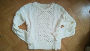 weisser Löcher Pullover