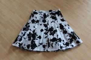 Weißer Tüllrock mit schwarzem Blumenmuster Größe 34