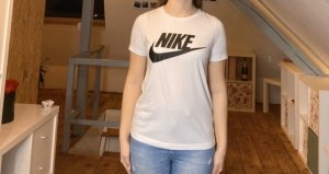 Weißes Nike Shirt
