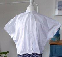 Weite weiße Bluse
