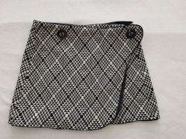 Mango Wraparound Skirt white-black