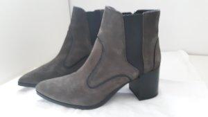 -Booties mit Blockabsatz in grün/grau von Zara Woman, Größe 38
