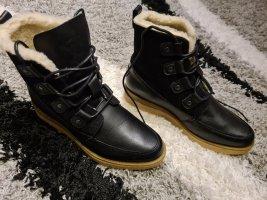 Vero Moda Buty zimowe czarny Skóra