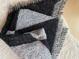 H&M Bufanda de lana negro-gris claro