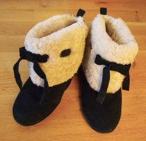 Winterschuhe Boots Stiefeletten schwarz mit Teddyfell aus Rauleder