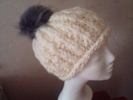 winterweisse Mütze mit echtem Fellbommel NEU !