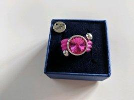 Bague incrustée de pierres rose-rose fluo