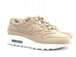 Nike Lace-Up Sneaker white-beige
