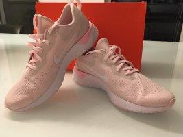 WMNS Nike Odyssey React Gr.42 NEU!