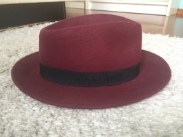 Subdued Woolen Hat black-bordeaux