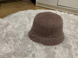 Primark Futrzana czapka w kolorze różowego złota