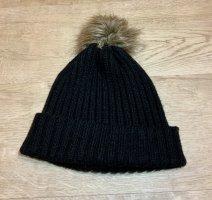 GinaTricot Cappello in tessuto nero