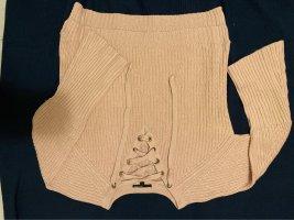 Wollpullover mit schnürbänder am Ausschnitt